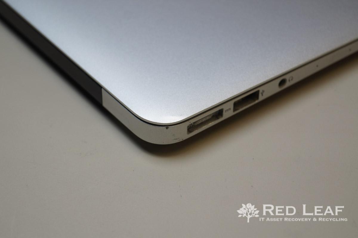 Apple MacBook Air A1466 (MD760LL/A) i5-4250u / 8GB / 128GB SSD (Refurbished)